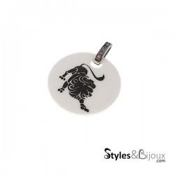 Pendentif signe astrologique Lion en céramique blanche orné de strass
