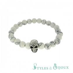 Bracelet tête de mort en pierre howlite blanche